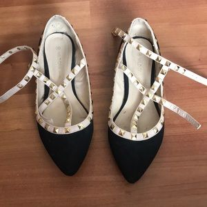 Wild diva women's pointed toe studded flats size 8